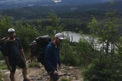 11 Dole u jezera jsme ráno vyráželi a vzadu v dálce od Lipna den předtím. S tím báglem, kde máte naprosto vše na 3 dny to je celkem záhul